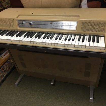 Vintage Wurlitzer Electric Piano Keyboard Student Model RARE Original
